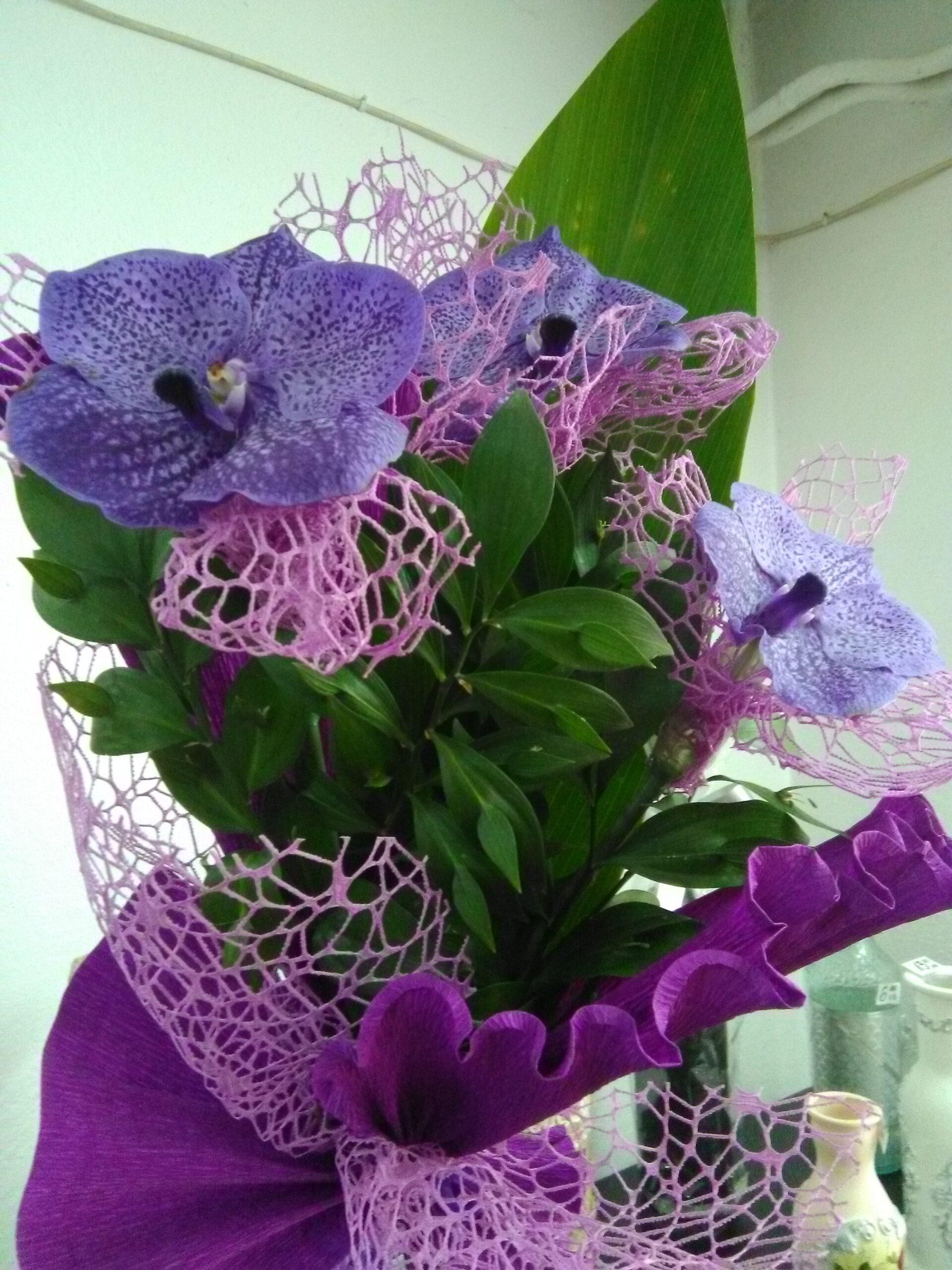 Букет от 3 орхидеи